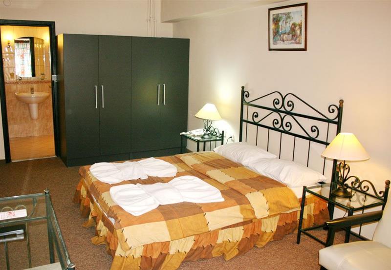 Uslan Hotel