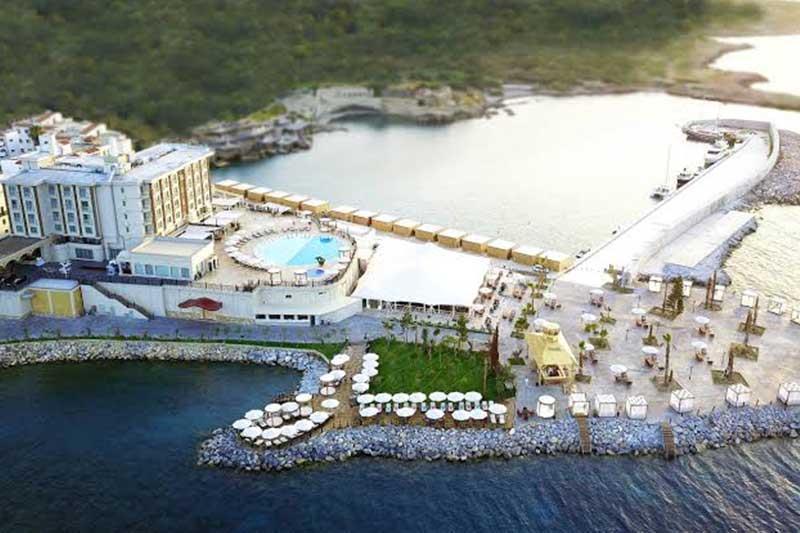 Les Ambassadeurs Hotel Casino & Marina