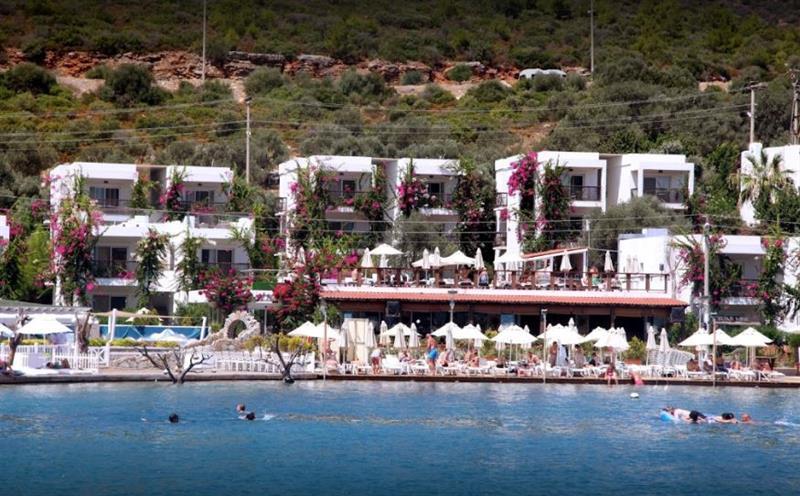 Mi Casa Beach Hotel