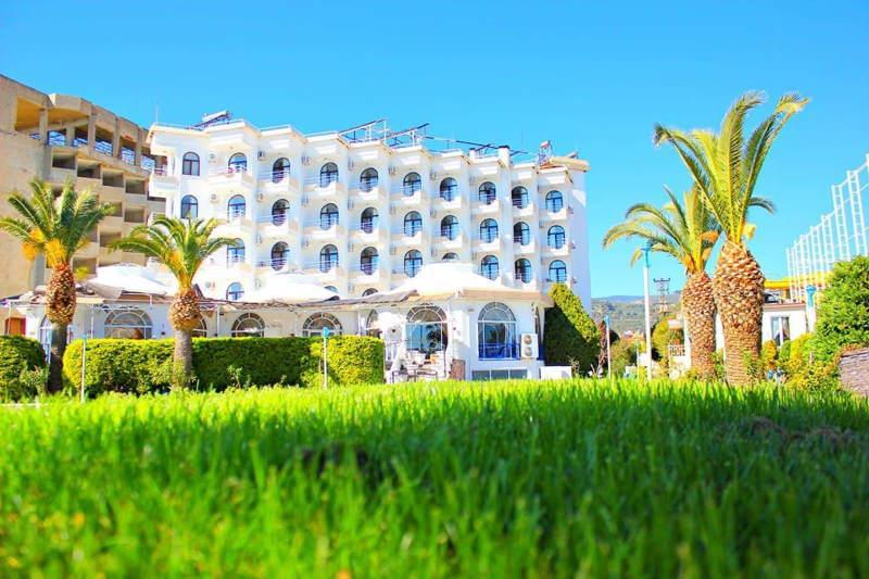 Kaju Beach Hotel